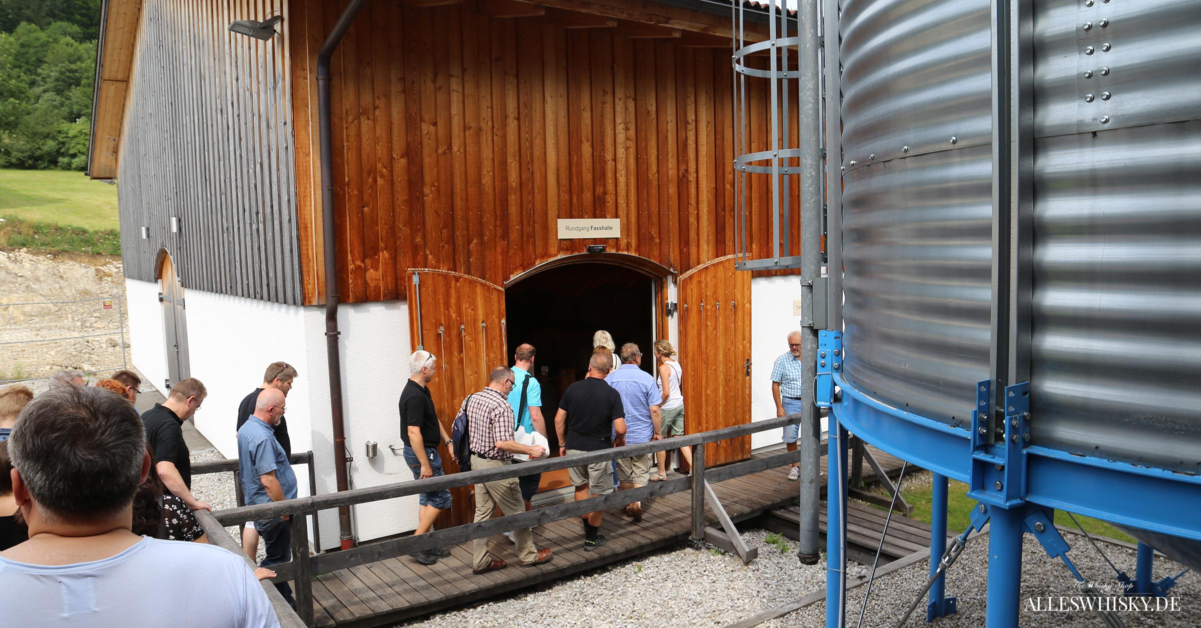 Slyrs Brennerei - Der Weg von der Brennerei zum Fasslager und in den Tastingraum