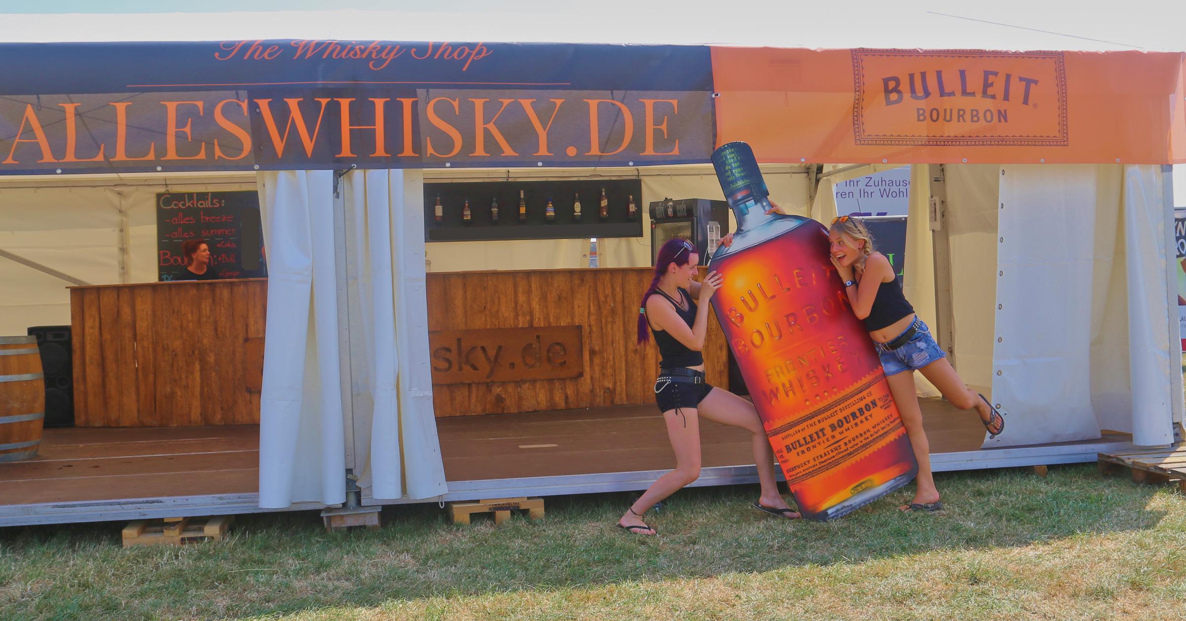 alleswhisky.de Stand 2015 direkt vor Beginn des Festivals