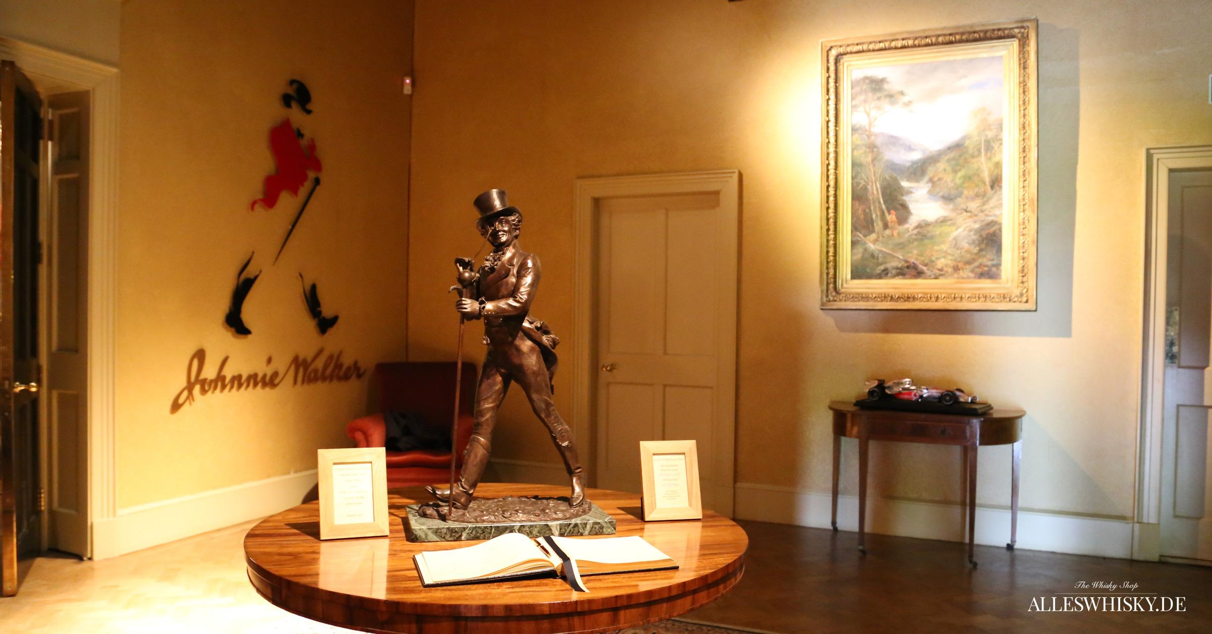 Johnnie Walker Figur im Brand Home der Cardhu Brennerei