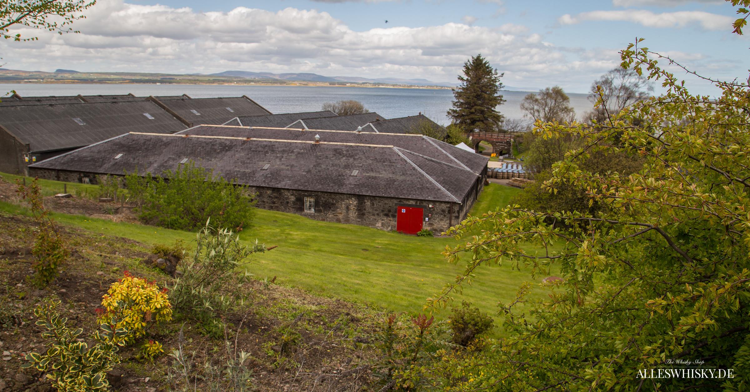 Glenmorangie Lagerhäuser am Dornoch Firth