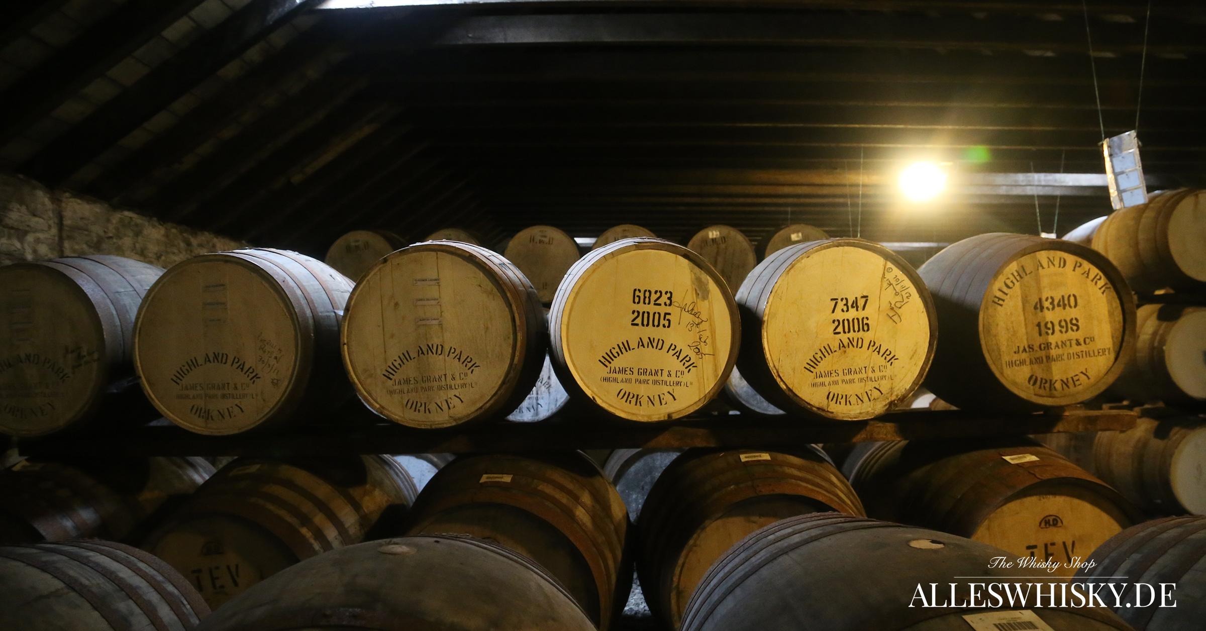 Highland Park - Whisky-Fässer bei der Reifung