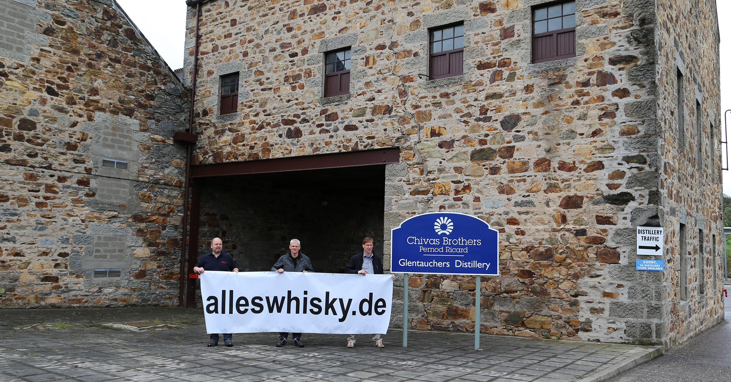 Glentauchers Malt Whisky Brennerei im Mai 2014 Schild Pernod Ricard